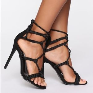 NEW Fashion Nova Strappy Heels. Size 10.
